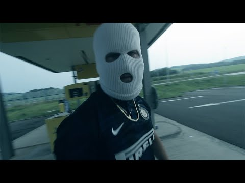 Stary Pakistanec feat. French Dale, Mela – Vinbarg 2 (Official Video)  MERCH https://bit.ly/vinbarg – Directed by Jozef KANONLENS Popadic Director of photography Stary Pakistanec, Kanonlens Drone operator Slavomir Soltes Produced by French ...
