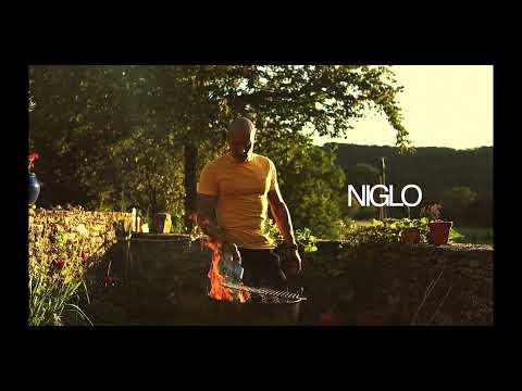 """Fizzi Pizzi x Niglo : Juste un daron à table  Europe, France   Titre échappé d'un futur projet en commun avec le beatmaker """"NIGLO""""… A suivre.  FIZZI PIZZI X NIGLO X MORNE ROUGE"""