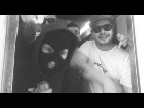Vegyész feat. Kamasz, Aero, Victor Von, Vírus, B.L.Á.Z.S., Zéu – Alagút a mélybe (Official Video)  Dirty Label Records, B11, RageVon Records, Secret Reality 2021 – Vegyész, Kamasz, Aero, Victor Von, Vírus, B.L.Á.Z.S., Zéu  Video/Vágás: Veg ...